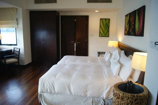 AVANI Sepang Goldcoast Resort: 這是雙人房間..很大吧