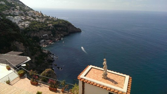 Iaccarino Sorrento Limousine Service: Along the Amalfi coast -- stop by to take stunning photo