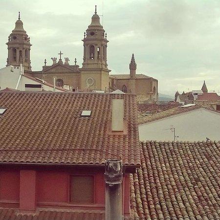 Pamplona Catedral: Catedral de Pamplona desde apartamento Calle Mercaderes.