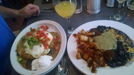 Creekside Cafe & Grill: Hevos Rancheros and Rellanos