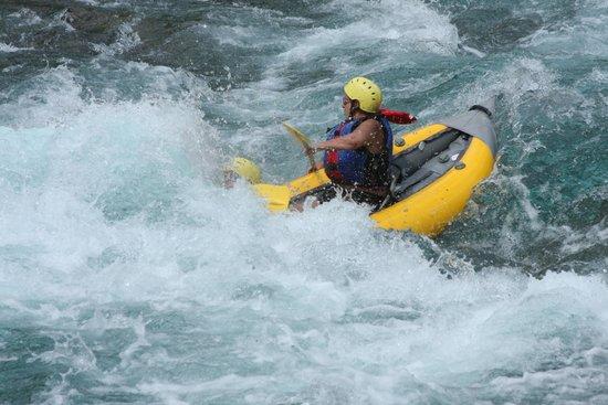 Glacier Raft Company: Didn't quute avoid center as advised