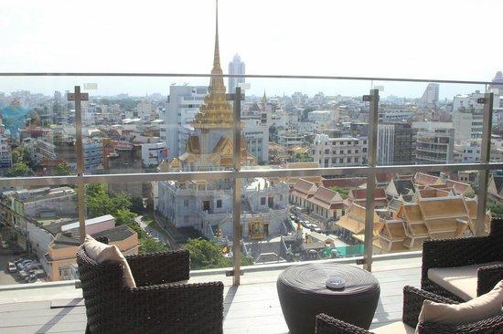 Centra by Centara Central Station Hotel Bangkok: Blick von der Aussenterrasse
