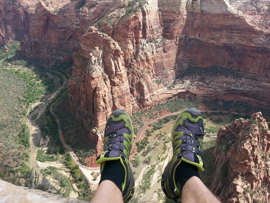 Zion Canyon Bed and Breakfast: Angels Landing Tour
