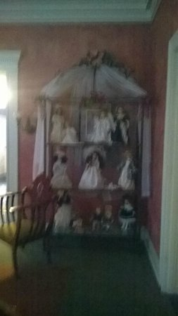 Hillhurst Bed & Breakfast: Dolls