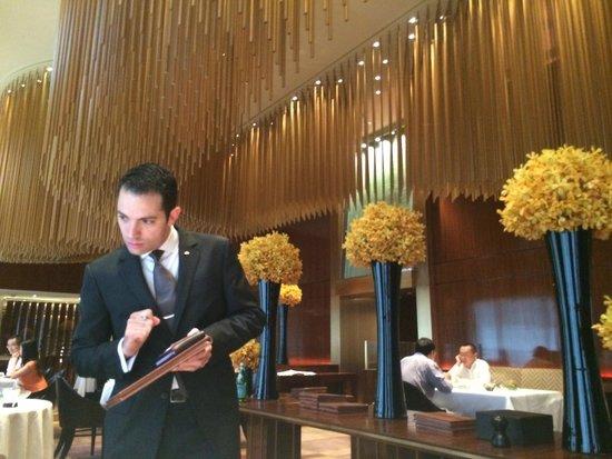 The Landmark Mandarin Oriental, Hong Kong: MICHELIN STAR FRENCH RESTAURANT AMBER