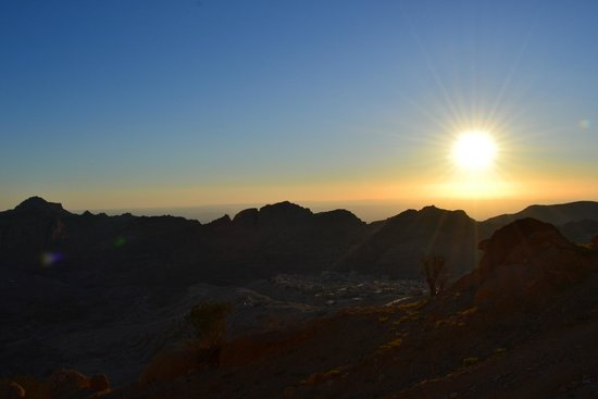 Seven Wonders Hotel : Sunset over Petra