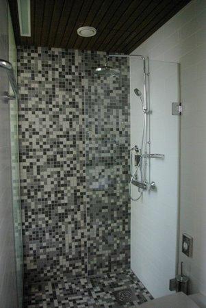 Hotel Katajanokka: La mejor ducha en mucho tiempo