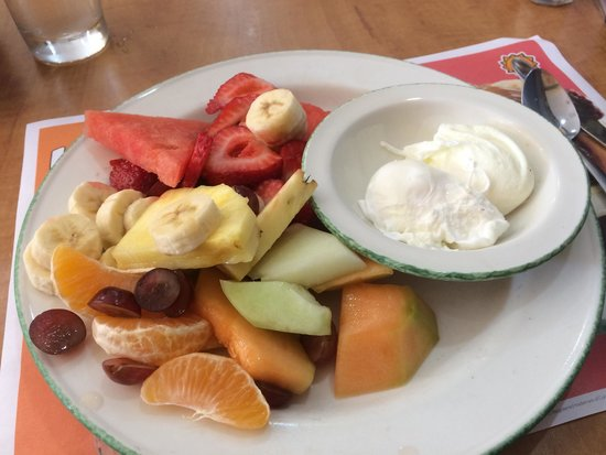 Cora's Breakfast & Lunch: Poached eggs with fruit