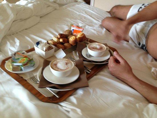 Hotel Acquaviva del Garda: Colazione in camera