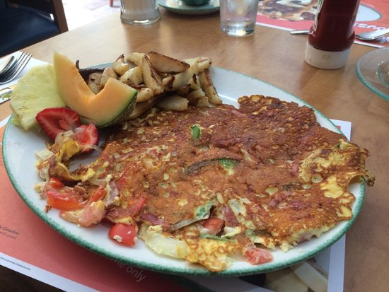 Cora's Breakfast & Lunch: Western omelette