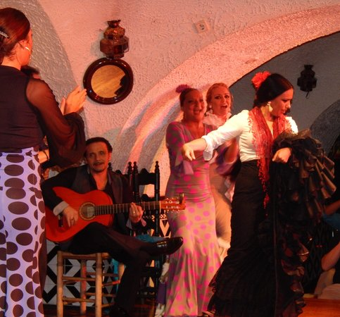 Tablao Flamenco Cordobes : Their footwork will mesmerize you