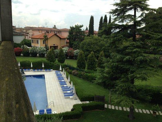 Hotel Acquaviva del Garda: Vista piscina