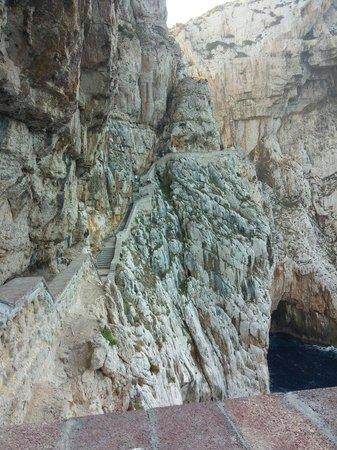 Frecce delle Grotte di Antonio Piccinnu: Scalinata
