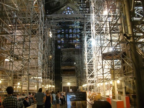 St. Patrick's Cathedral: St. Pat's lovely interior obstructed by scaffolding
