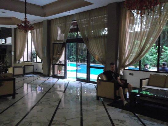 Meriem Hotel: Vue du hall