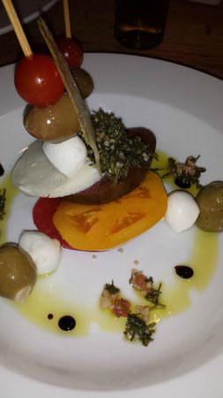 The Inn of the Patriots B & B: Green, Red and Yellow Tomato Pisa Tower Stack with Fig Balsamic Reduction and Tabbouleh