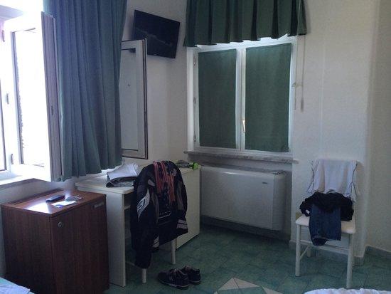 Sorriso Thermae Resort & Spa: Fate attenzione alle stanze !! Quelle nel corpo centrale nn sono così fatiscenti !