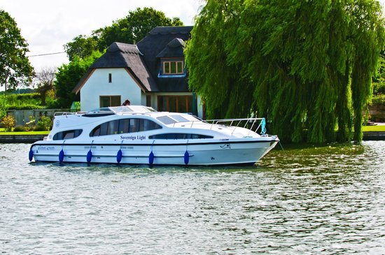 Herbert Woods - Day Boat Hire