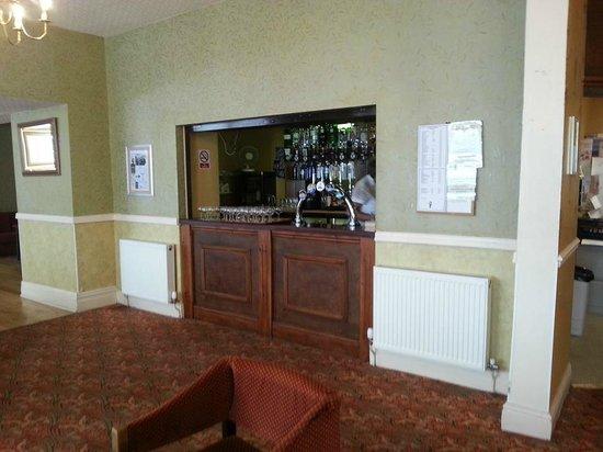 The New Loretta Hotel: Bar area