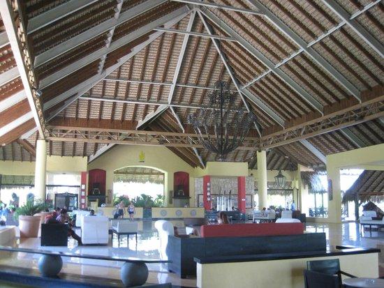 Tropical Princess Beach Resort & Spa: Lobby