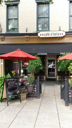 Cafe D'italia: Spoke with one of the owners (who is also the chef), they use all fresh ingredients.  He even sh