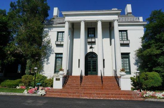 Tarrytown House Estate on the Hudson: King Mansion
