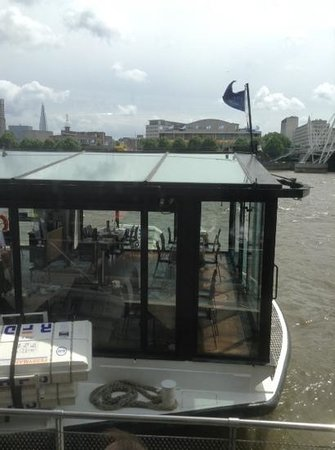 Bateaux London : lovely front seat made for sn excellent viewpoint