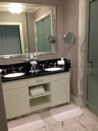 The Ritz-Carlton, South Beach: Bathroom vanity