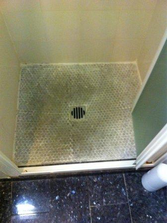 Rivoli Boutique Hotel: Piatto doccia della camera 209