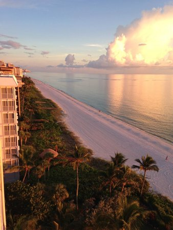 LaPlaya Beach & Golf Resort, A Noble House Resort: Great beach