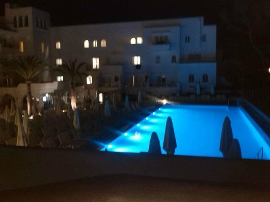 SENSIMAR Rocador: Colour changing pool at night