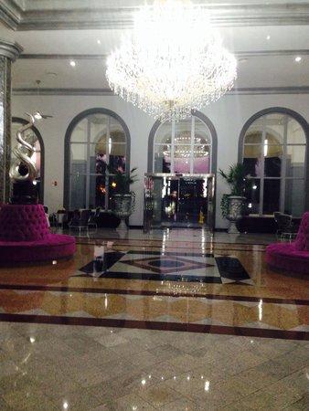 Hotel Riu Palace Mexico: Lobby.
