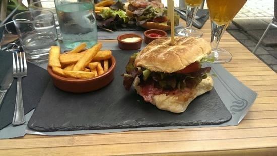 La Brasserie de la Place: Burger Campagne