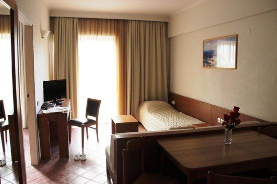 Bio Suites Hotel: room
