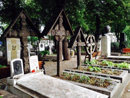 Bellu Cemetery: Panteón