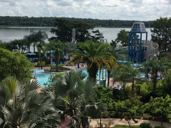 Bay Lake Tower at Disney's Contemporary Resort: 4th floor ok view