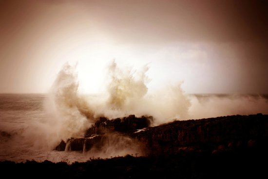 Boca do Inferno (Winter sea storm)