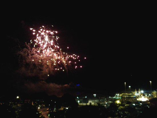 Premier Inn Bournemouth Central Hotel: Friday fire works from room balcony