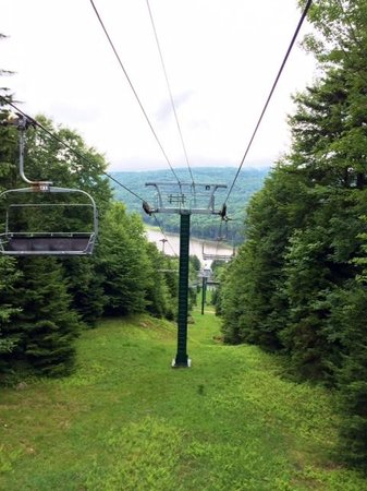 Snowshoe Mountain Resort : Ski lift down to Shavers Lake