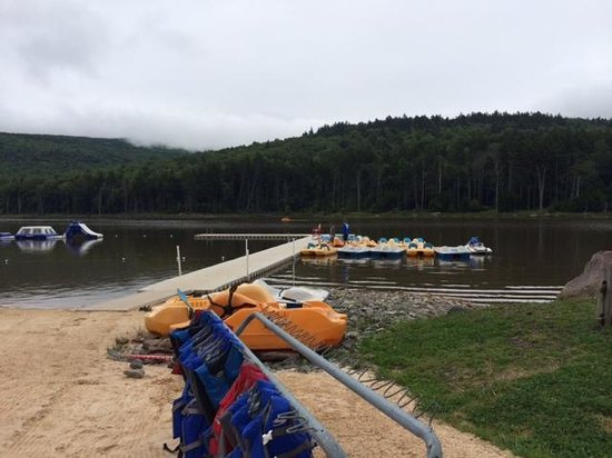 Snowshoe Mountain Resort : One of the docks at Shavers Lake