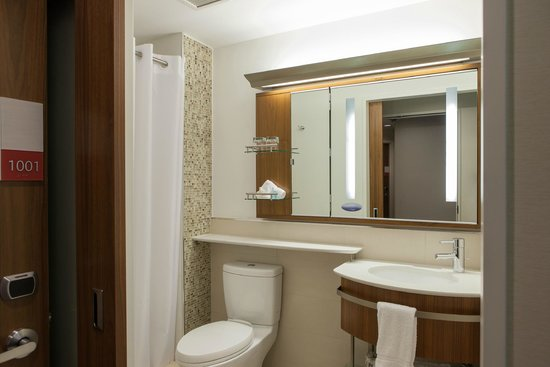 Club Quarters Hotel, Grand Central: Bathroom