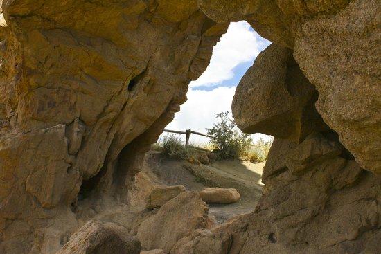Devil's Backbone Nature Trail : The Keyhole