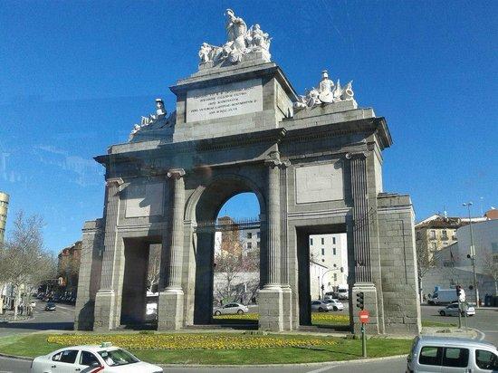 Puerta de Alcalá: Puerta Alcala