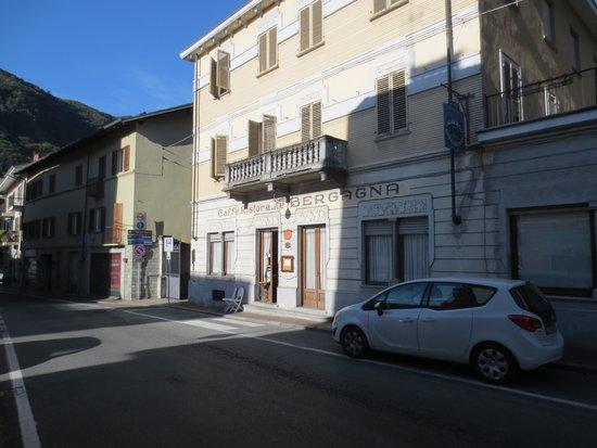Hotel Bergagna: Hotel front