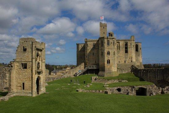 Warkworth Castle & Hermitage: Warkworth Castle