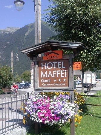Hotel Maffei: Insegna