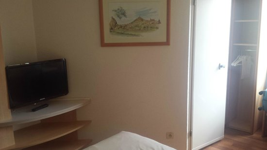 Ibis Brussels Centre Sainte Catherine: Small room - but sufficient