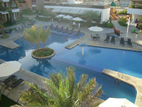 Margarita Real Boutique Hotel: Vista de la piscina desde el balcon