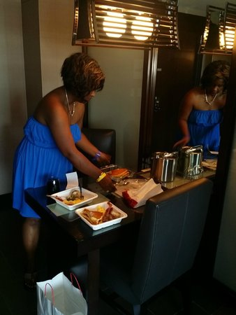 Vdara Hotel & Spa: Brought some breakfast up to room