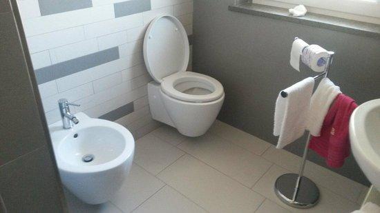 7venti : Da notare la pulizia a specchio del bagno e dei sanitari